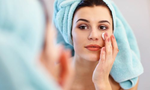 How to avail anti-ageing benefits naturally to look younger?